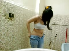 Madiha Khan Desi Bathroom Sex Porn 11