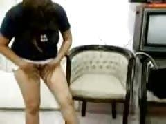 AMATEUR ARAB GIRL GETS NAKED--HOMEMADE